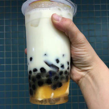 Tapioca pearls in a delicious smoothie!