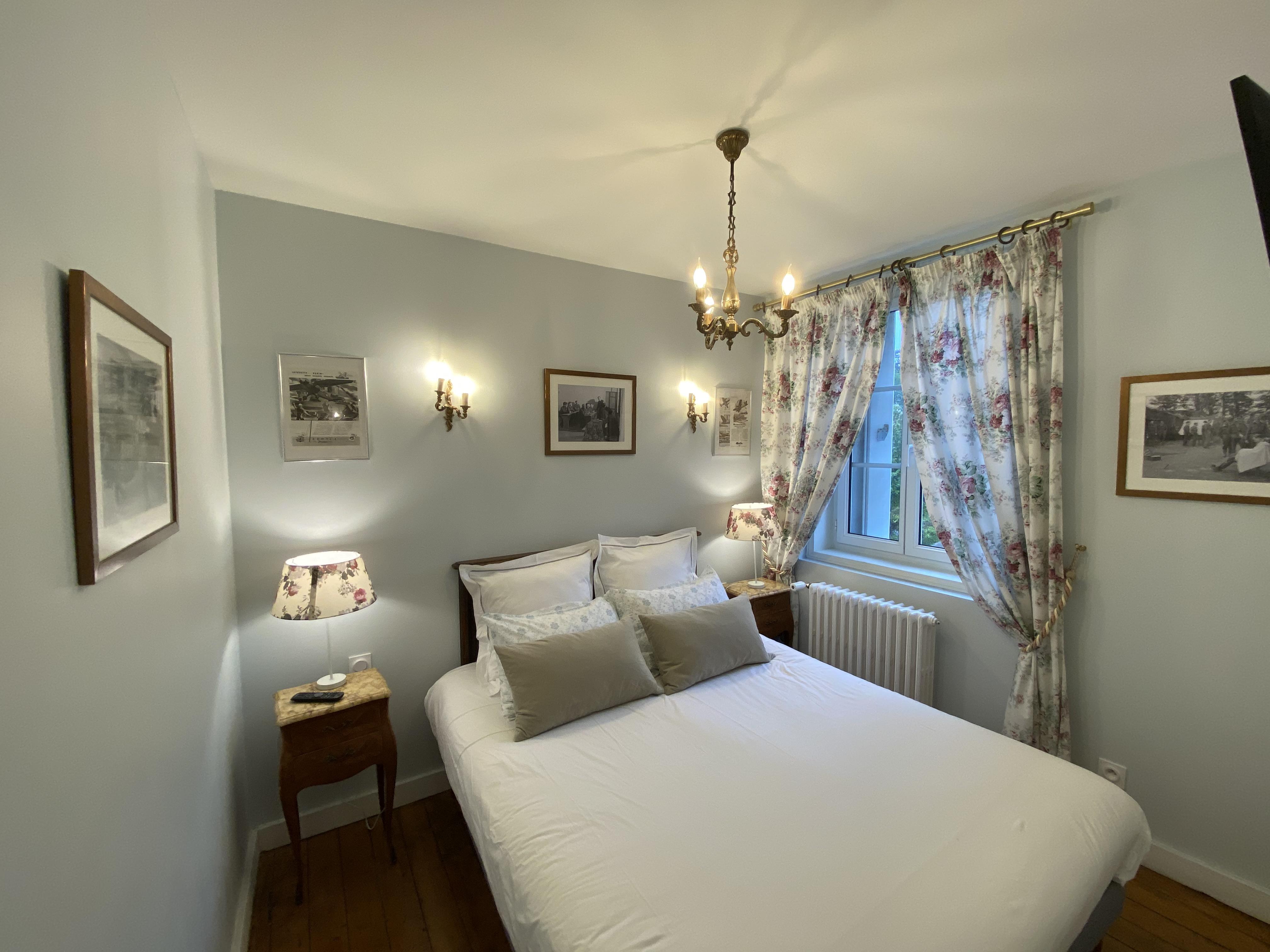 DDAY AVIATORS Le Manoir Room B7