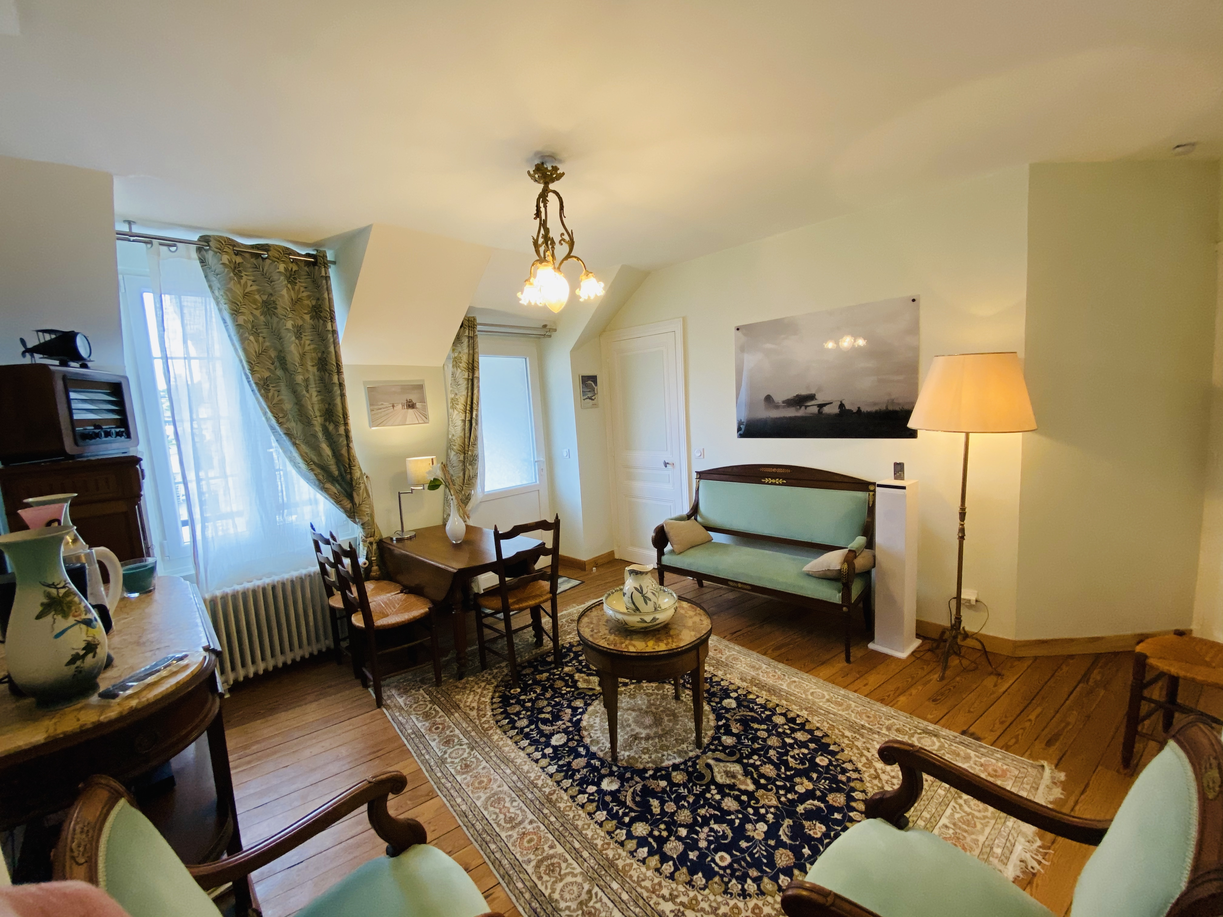 DDAY Aviators Le Manoir B10 Living Room