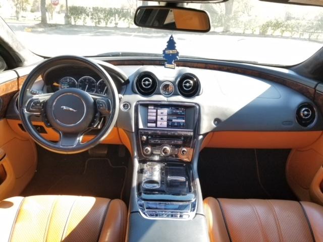 Jaguar XJL Portfolio 2013 (12)