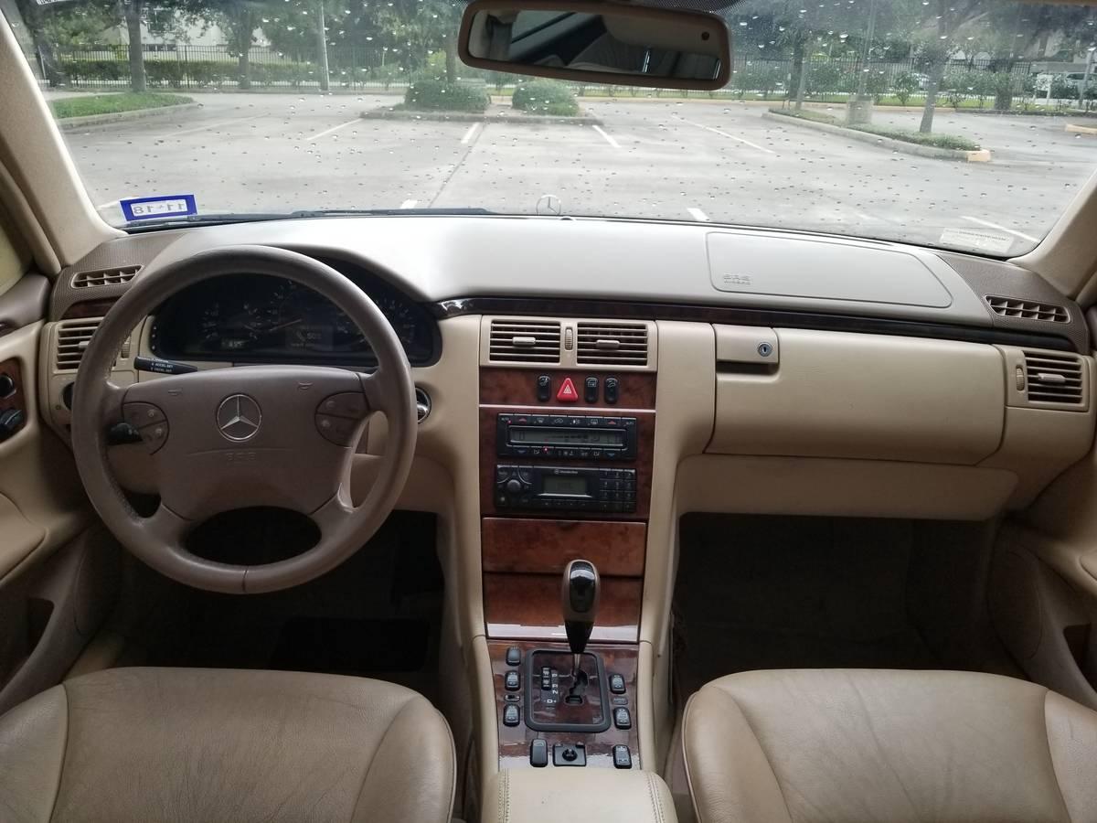 Mercedes_E430_2002