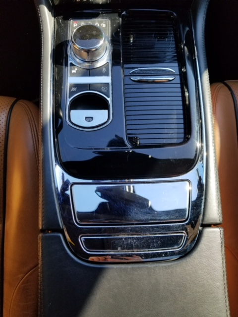 Jaguar XJL Portfolio 2013 (14)