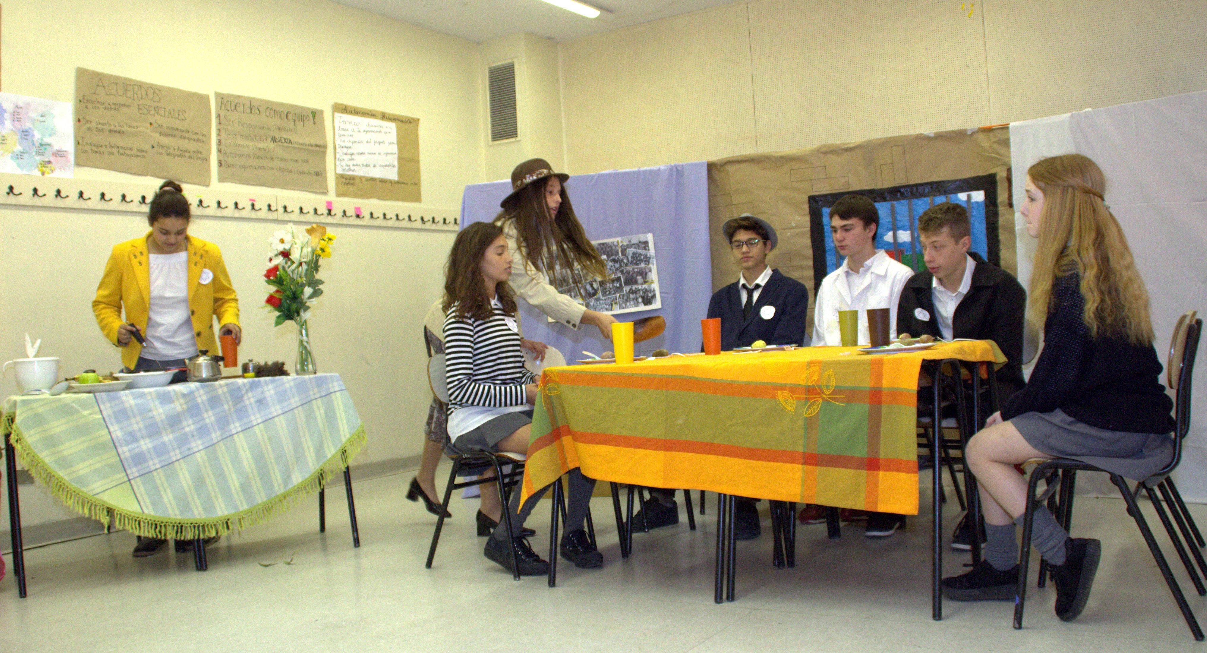 El diario de Ana Frank en la mesa