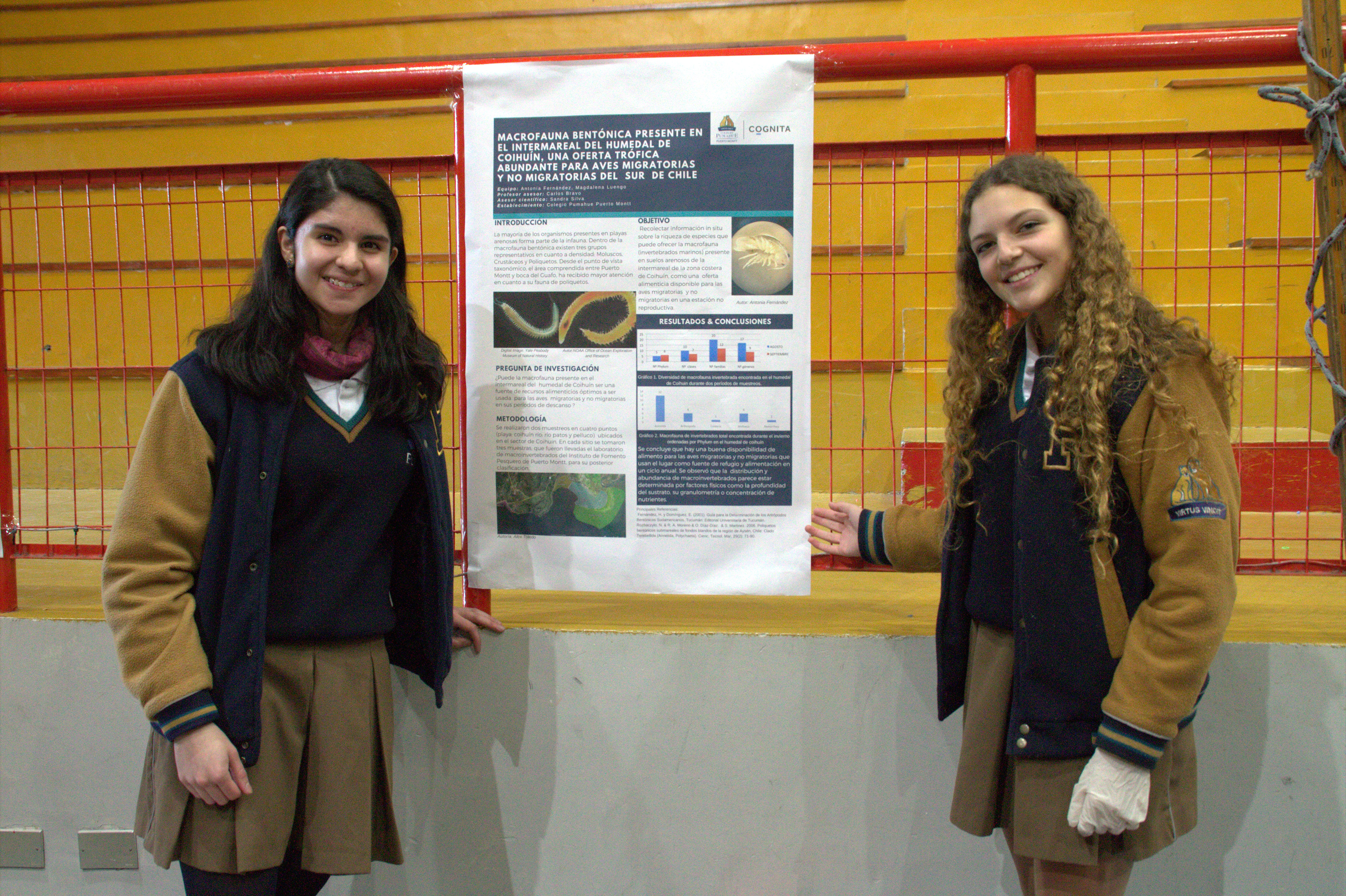 Alumnas_Pumahue_explican_experimentos_de