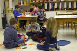 explorando_juntos._Día_para_estar_entre_alumnos,_conocerse,_jugar._Como_la_ruleta_de_la_suerte_del_p