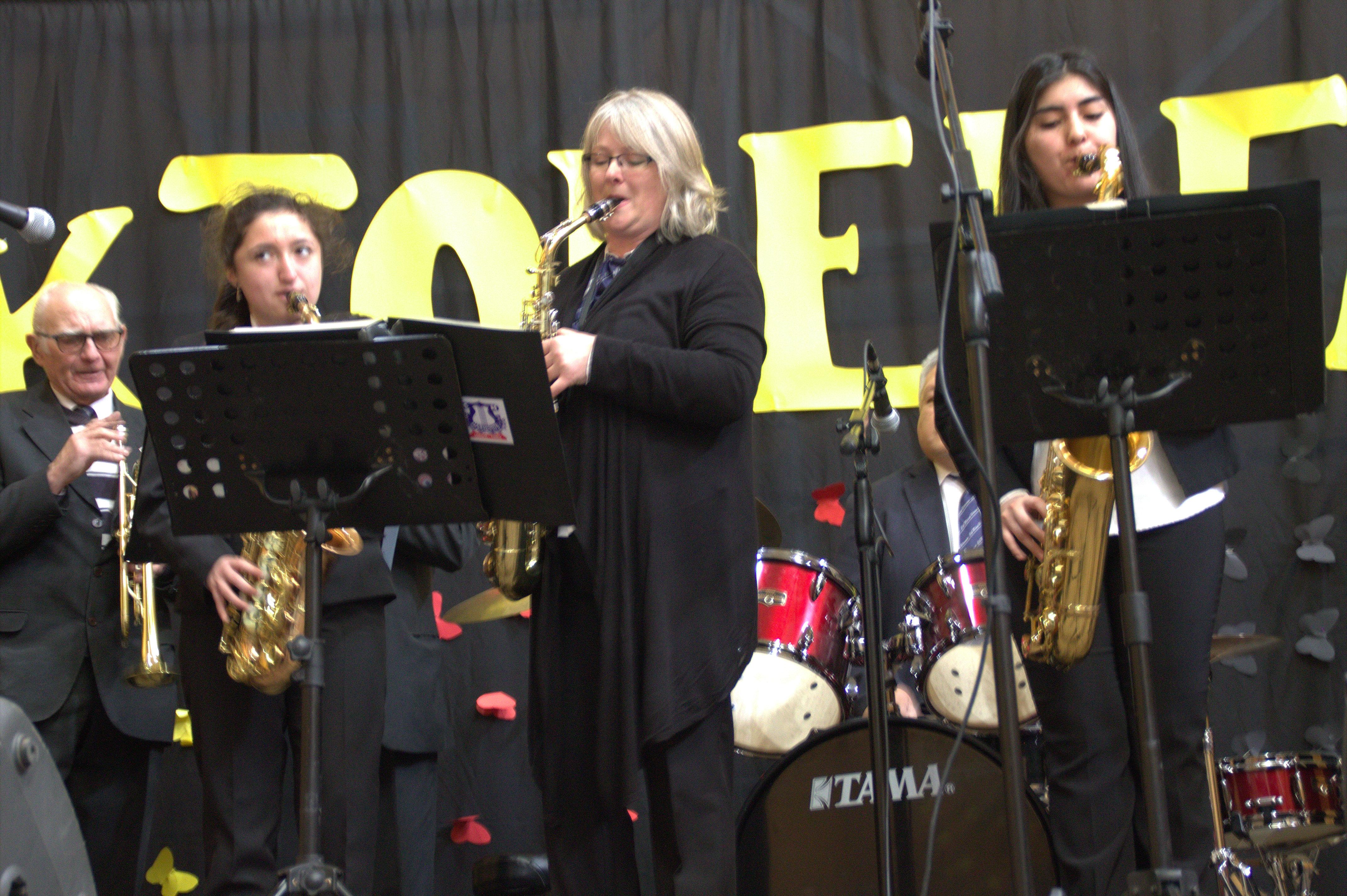 la tradicional saxofonista de la Banda C