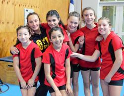 Gran y hermoso equipo de gimnastas DSPV