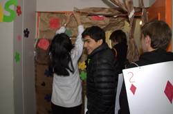 perparativos_con_IV°_medio._Luz_Amaya_en_primera_fila_guiando_a_sus_alumnos