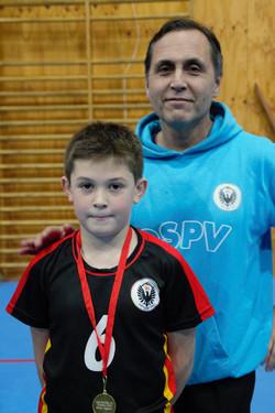 medalla por el mejor jugador a Vicente Binder