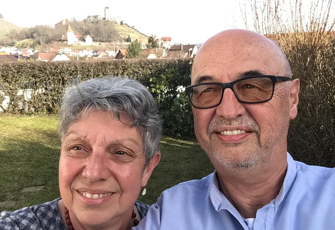 Brigitte Hofmann, ehemalige Grundschul-Lehrerin in Beilstein und Dr. Ulrich Hofmann, nach 30 Jahren als Allgemeinarzt in Ilsfeld-Auenstein nun tätig bei Dr. Hanne Steck in der Praxis in Beilstein
