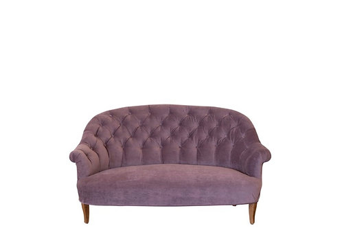 Iris Loveseat