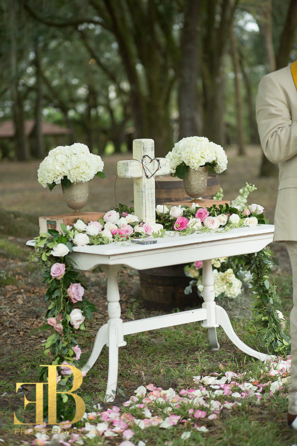 Altar Table Destrehan Richards Wedding