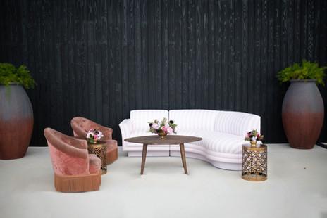 Onasis Sofa + Justi Lounge