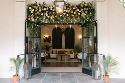 Il Mercato Doors Lounge