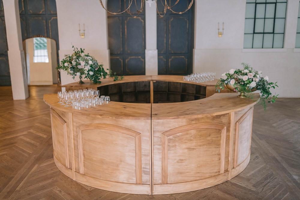 Four piece wooden round bar