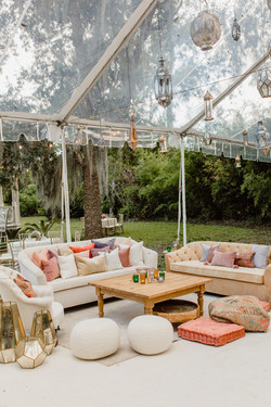 Colorful Lounge with Boho Vibes