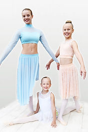 Leotards, skirts, dance costumes, Warm ups, tights, dancewear, voimistelu ja tanssitarvikkeet. Attitude dancewear