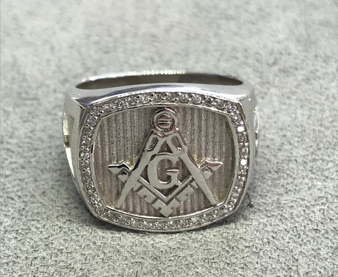 Fraternal & signet rings