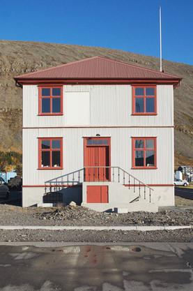 vatneyrabud-front-patreksfjordur-vatneyr