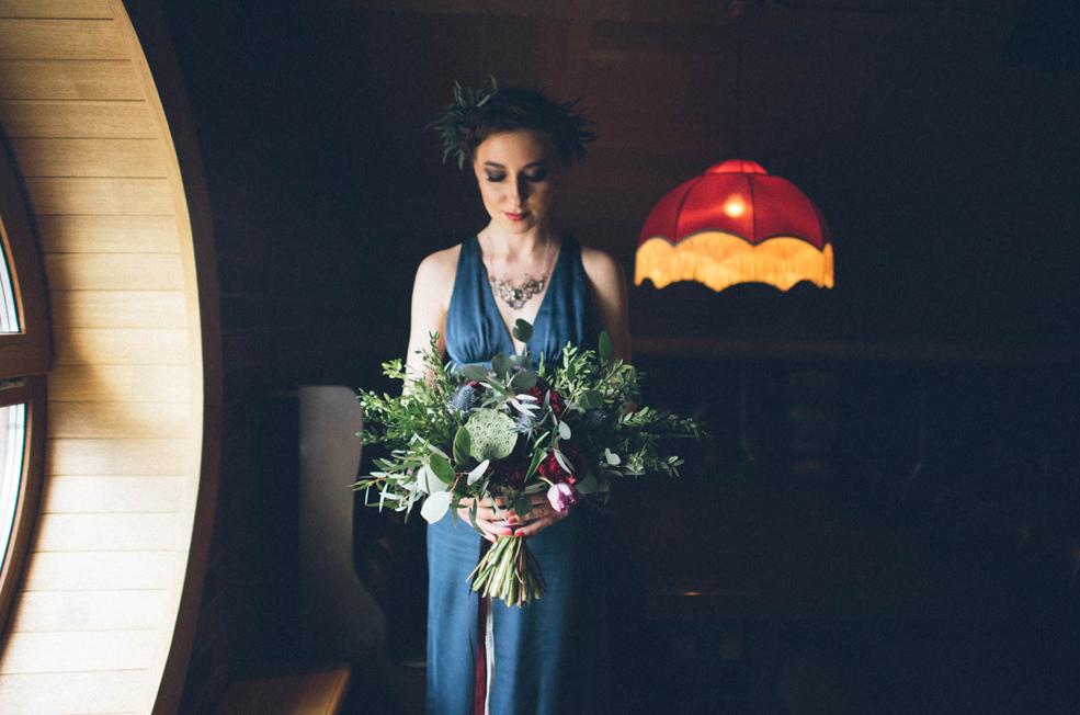 Невеста с букетом.
