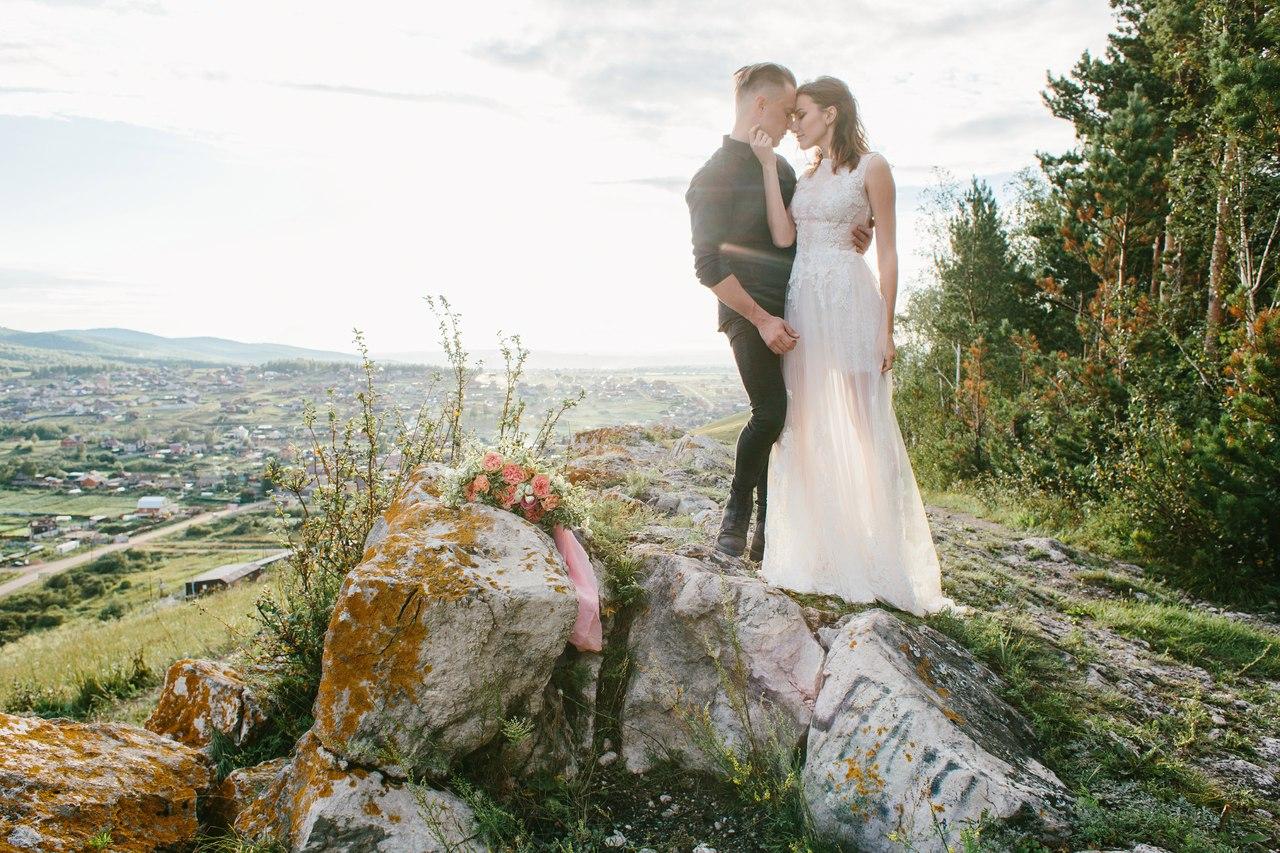 свадебная фотосессия на скале