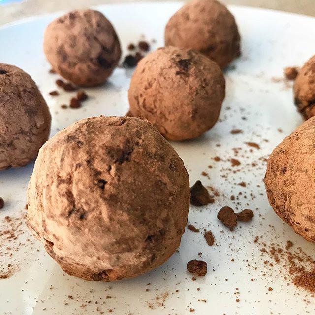 salted cocoa pecan pie truffles