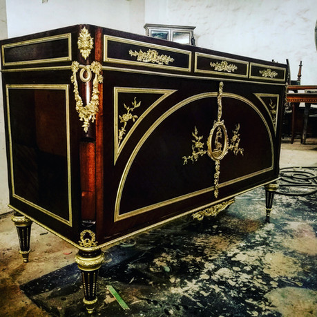 Antique commode French Polished with decorative ormolu mounts
