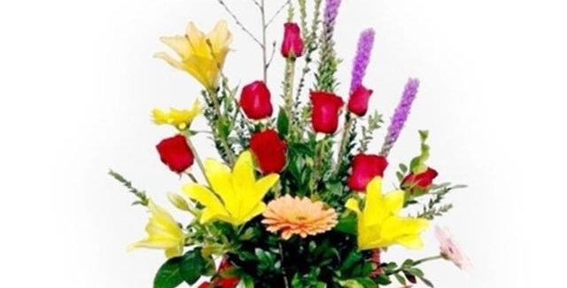 Centro rosas, lilum, gerbera y liatis