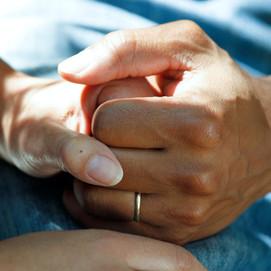 Cuidar a los mayores con deterioro cognitivo o demencia sin olvidar el cuidado propio