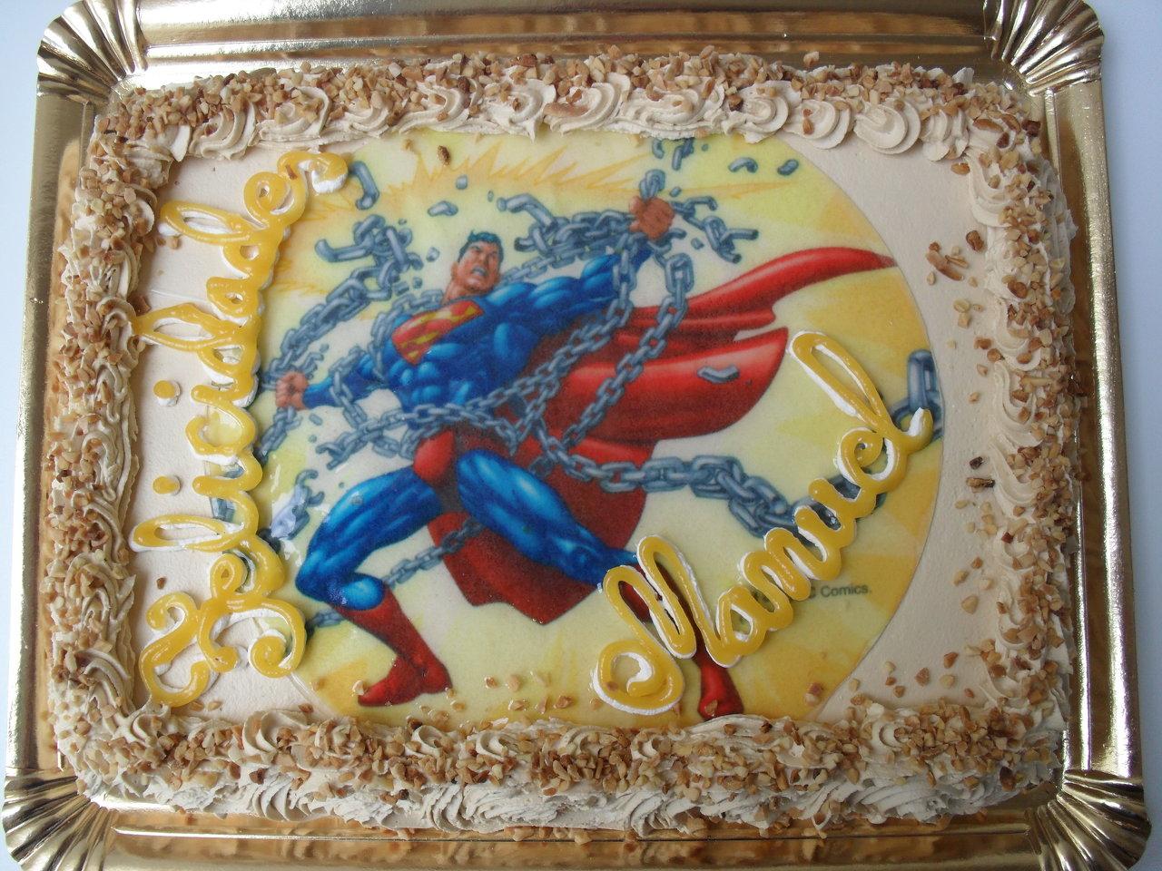 Tarta con la oblea de superman.