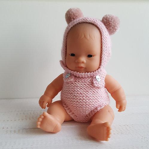 Boneca com touca e fofo rosa claro