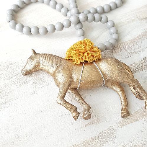 Colar Cavalo cinzento claro*mostarda