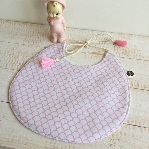 Babete rosa escamas