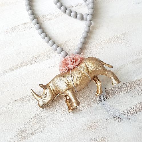 Colar Rinoceronte cinzento claro*rosa pálido