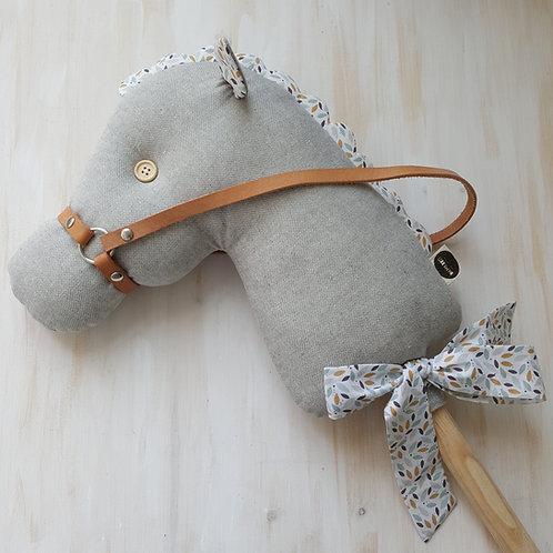 Cavalinho de Pau cinzento