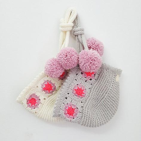 tocas em malha para bebé em crochê feitas à mão com pompons