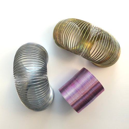 """2"""" Metal Magic Springs - COLOR WILL VARY"""