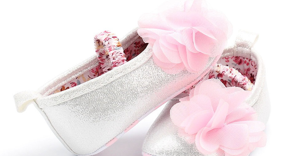 Sliver Shining Shoe with Pink Flower