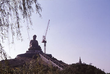 興建中的天壇大佛89年12月.jpg