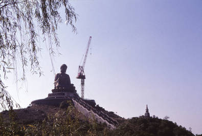 興建中的天壇大佛