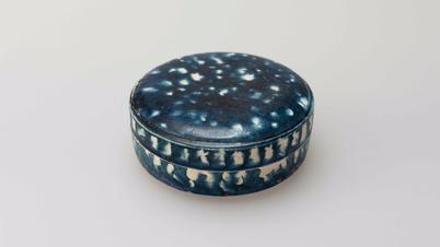 Sancai blue-glazed pottery circular box and cover