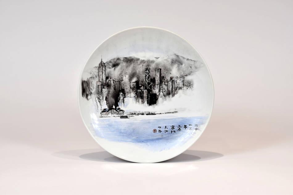 彩釉手繪香港景色大盤
