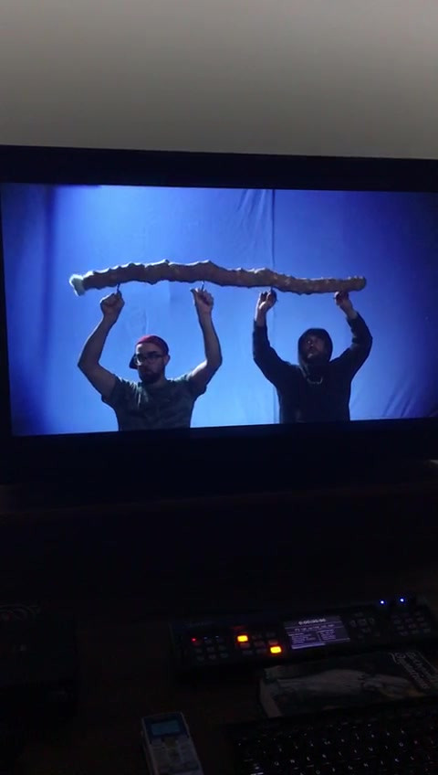 There was a lot of plating. This is the flying stocko on the endframe with superstar puppeteers Jonny and Will