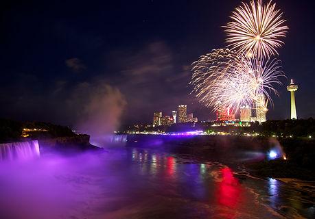 Niagara Falls fireworks.jpg