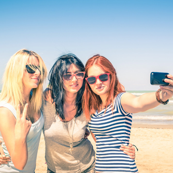 National Selfie Day - 5 Tips On How To Improve Your Selfie