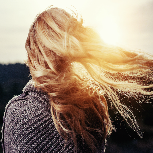 The Girl With The Sun In Her Hair - How To Prepare Your Hair For Тhe Summer