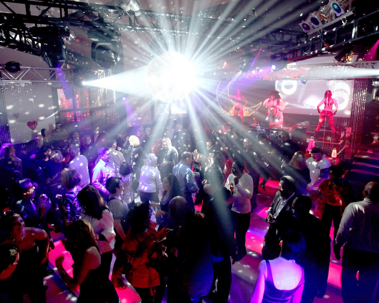 Night-Clubs-In-Lahore