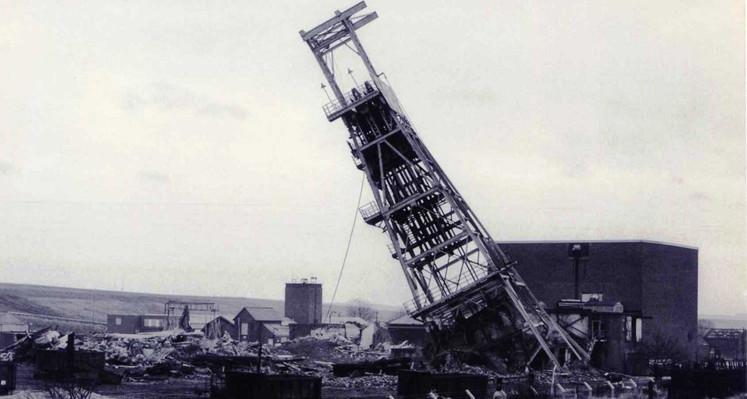 Newstead DC demolition Jan 1988.jpg