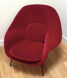 Red Vintage authentic Womb chair by Eero Saarinen for Knoll