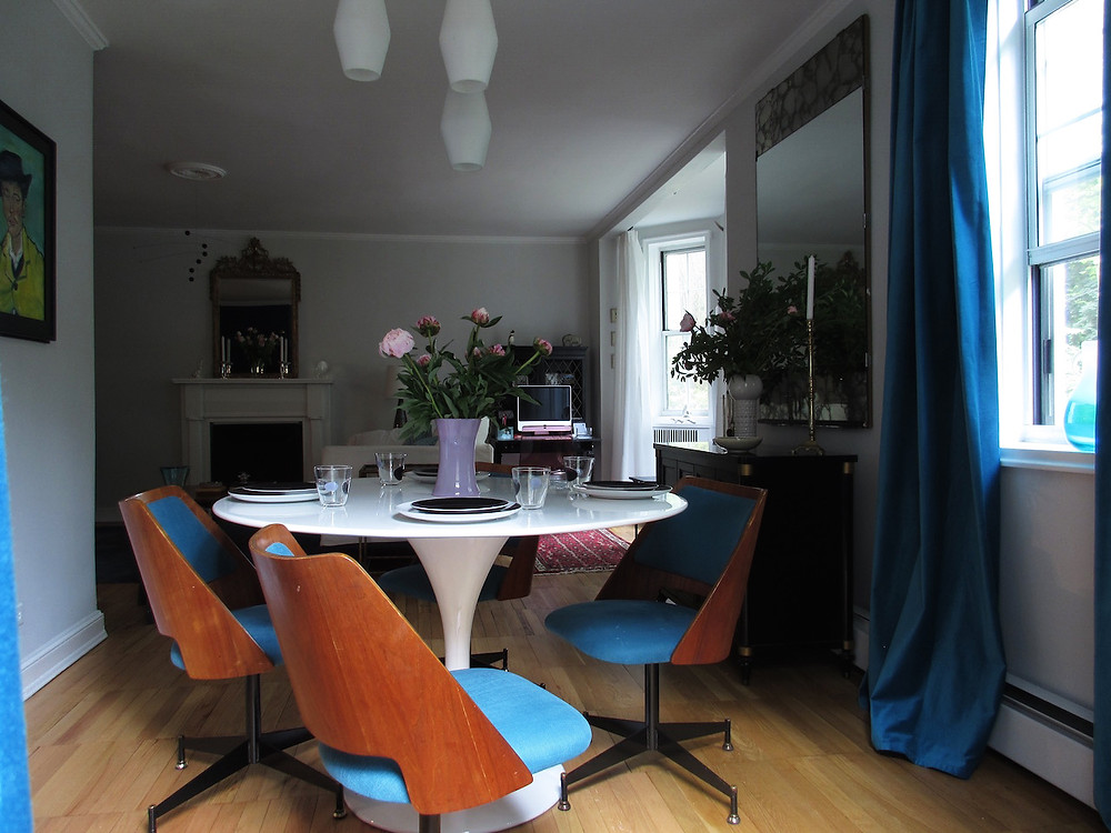 BLUE MID CENTURY MODERN CHAIRS WITH WHITE TABLE